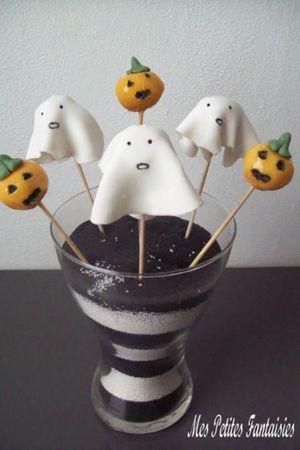 Cake pops citrouilles et fantômes d'Halloween
