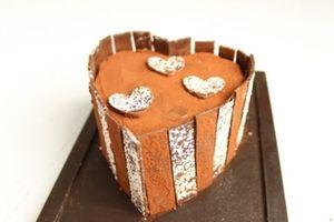 Coeur double chocolat gingembre sur son croustillant amande