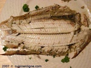 Comment découper un poisson cuit