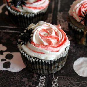 Cupcake salé en roses ensanglantées