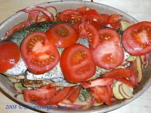 Dorade au four aux pommes de terre et tomates