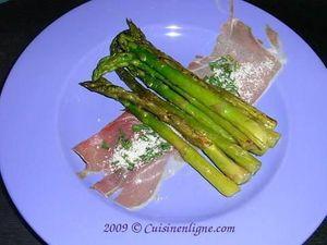 Fagotins d'asperges vertes au jambon cru et parmesan