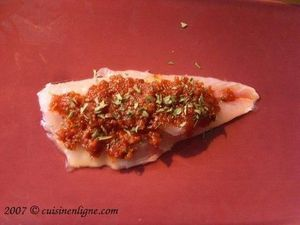 Filets de rouget à la tapenade et aux tomates séchées