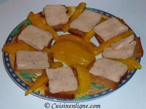 Foie gras à la mangue et au pain d'épices