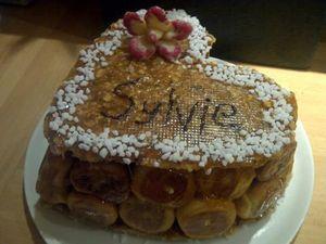 Pièce montée (choux à la crème, caramel et nougatine)