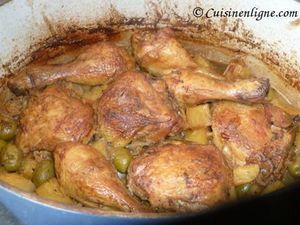 Tajine de poulet au citron confit et olives vertes